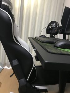 椅子を中まで入れて収納できます