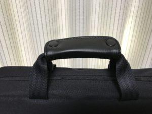 柔らかく便利なバッグの持ちて